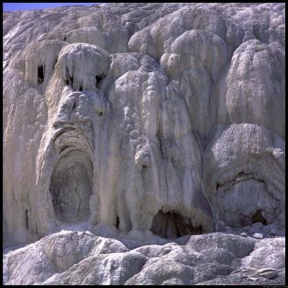 mammoth-springs-4