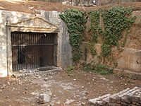 200px-Sanhedrin_tombs_2